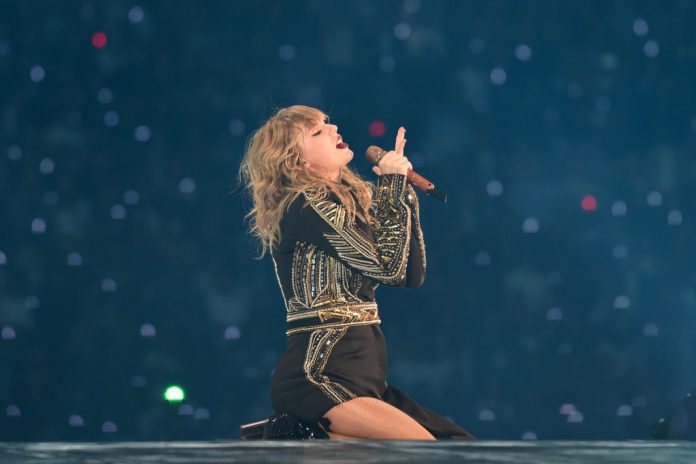 Taylor Swift Launches New Studio Album 'Lover' - Music Industry Weekly