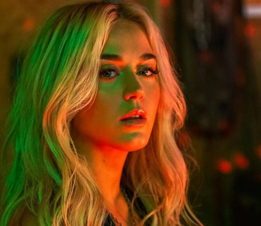 Katy Perry - Harley's in Hawaii - Music Industry Weekly