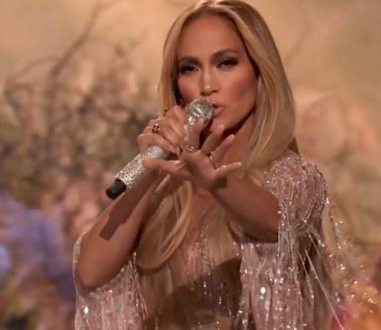 Jennifer Lopez - Music Industry Weekly
